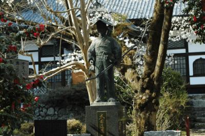 太田道灌銅像