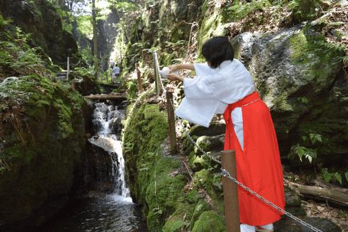 黒山三滝滝開き